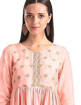 Anahi Pink Round Neck Embroidered Kurta