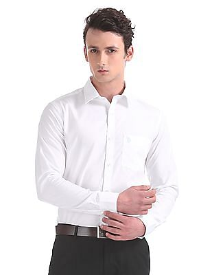 USPA Tailored Tailored Fit Solid Shirt