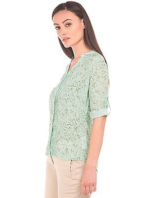Arrow Woman Pintuck Front Abstract Print Shirt