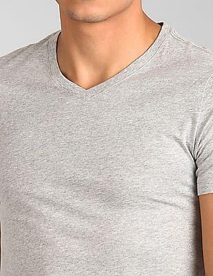GAP Solid V-Neck T-Shirt