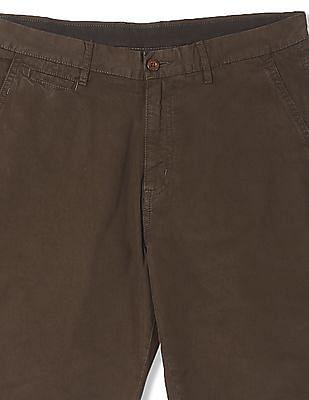 Izod Solid Twill Shorts