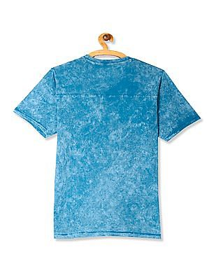 Cherokee V-Neck Washed T-Shirt