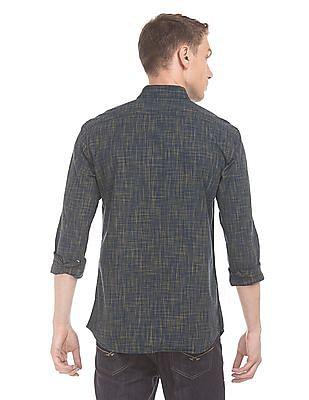 Izod Slim Fit Patterned Weave Shirt