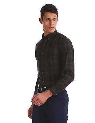 Arrow Newyork Black Mitered Cuff Check Shirt