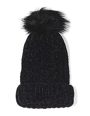 SUGR Black Pom Pom Accent Knit Beanie